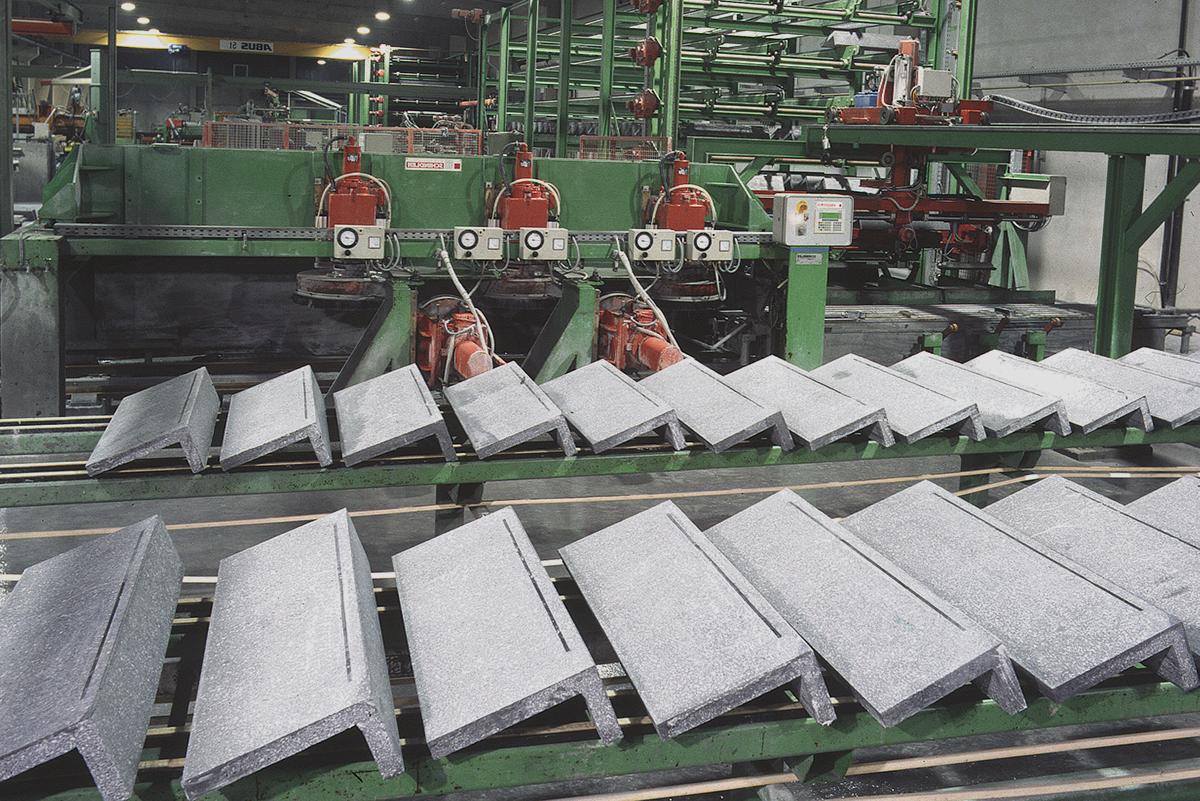 Stufenproduktion mit Betonwerkstein